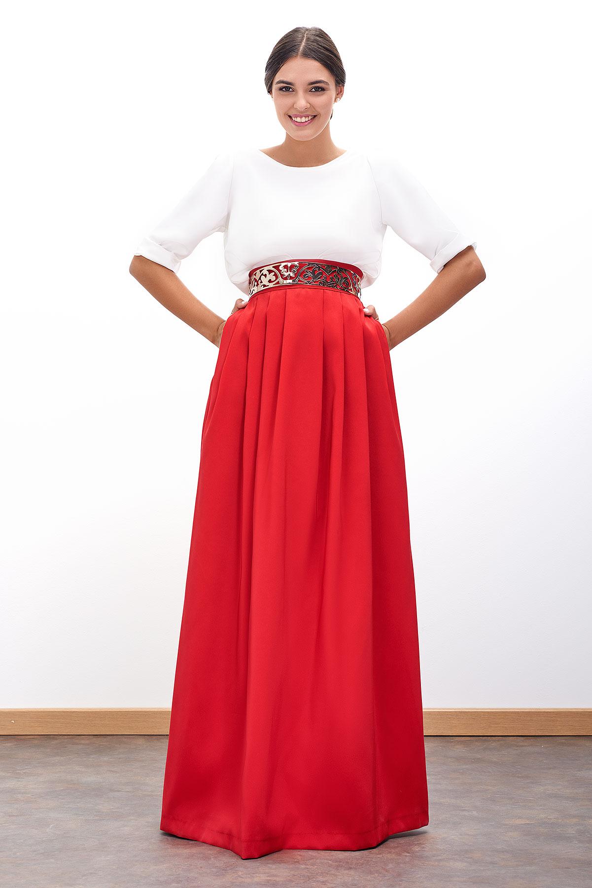 falda roja larga para ceremonia