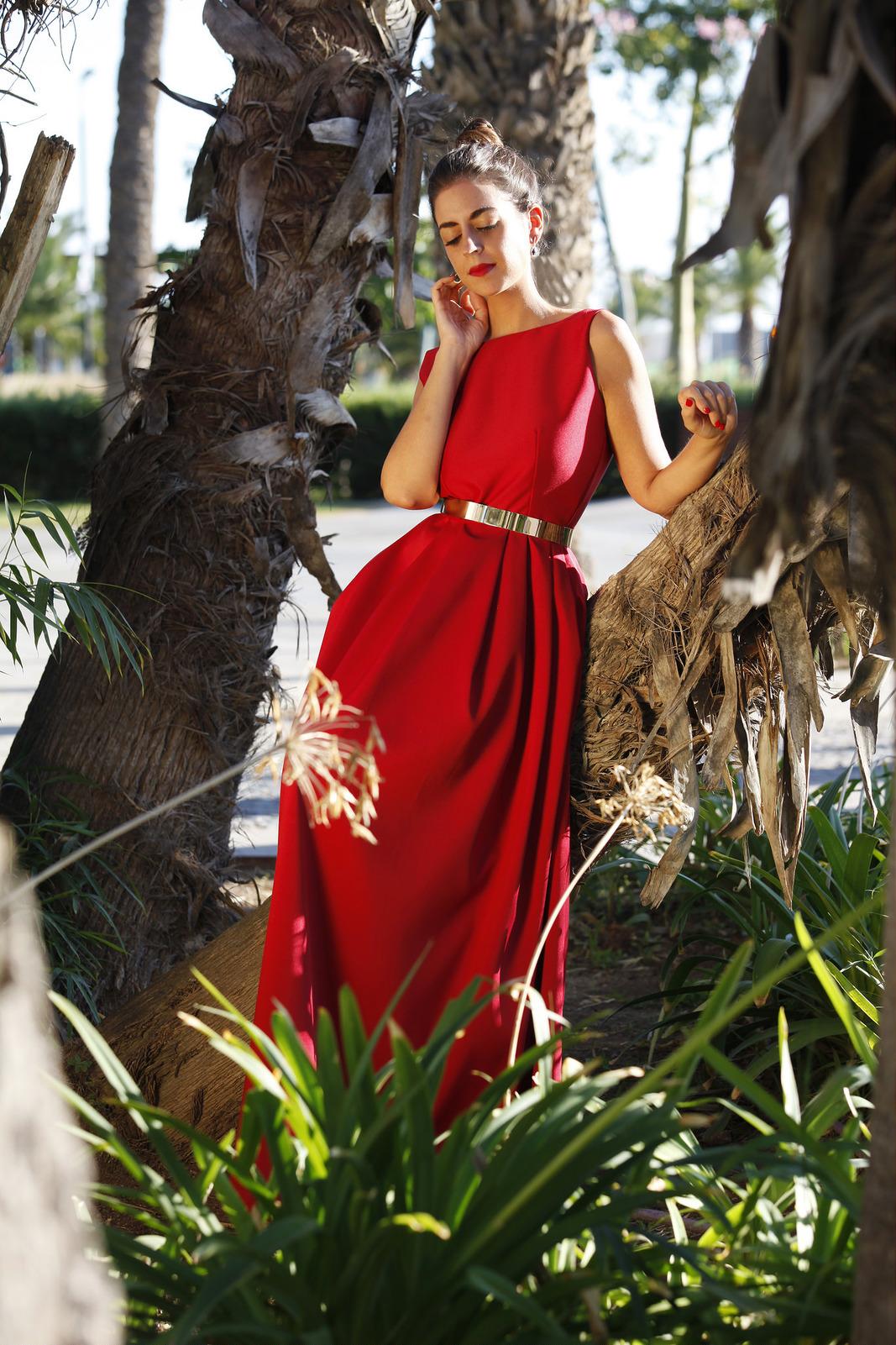 vestido rojo diseñado por Fatima Angulo para Silvia Navarro